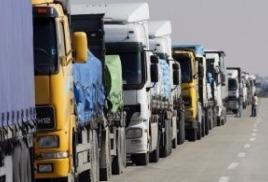 В ответ на решение кабмина Украины о приостановке транзита российских грузовиков премьер Дмитрий Медведев заявил о возможном полном запрете движения по России всех видов транспорта с Украины